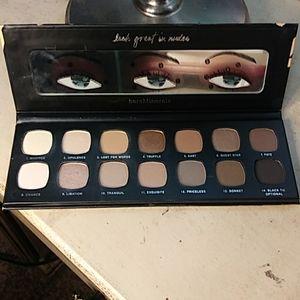 Bare Minerals Nudes Eyeshadow palette